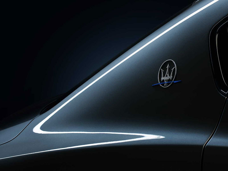 مازراتي گيبلي هيبريدي معرفي شد؛ آغاز عصري جديد براي خودروساز ايتاليايي