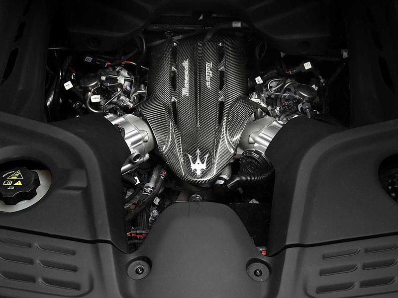 مازراتي MC۲۰ رونمايي شد؛ سوپراسپرتي با موتور ۶۲۱ اسب بخاري و مدل برقي